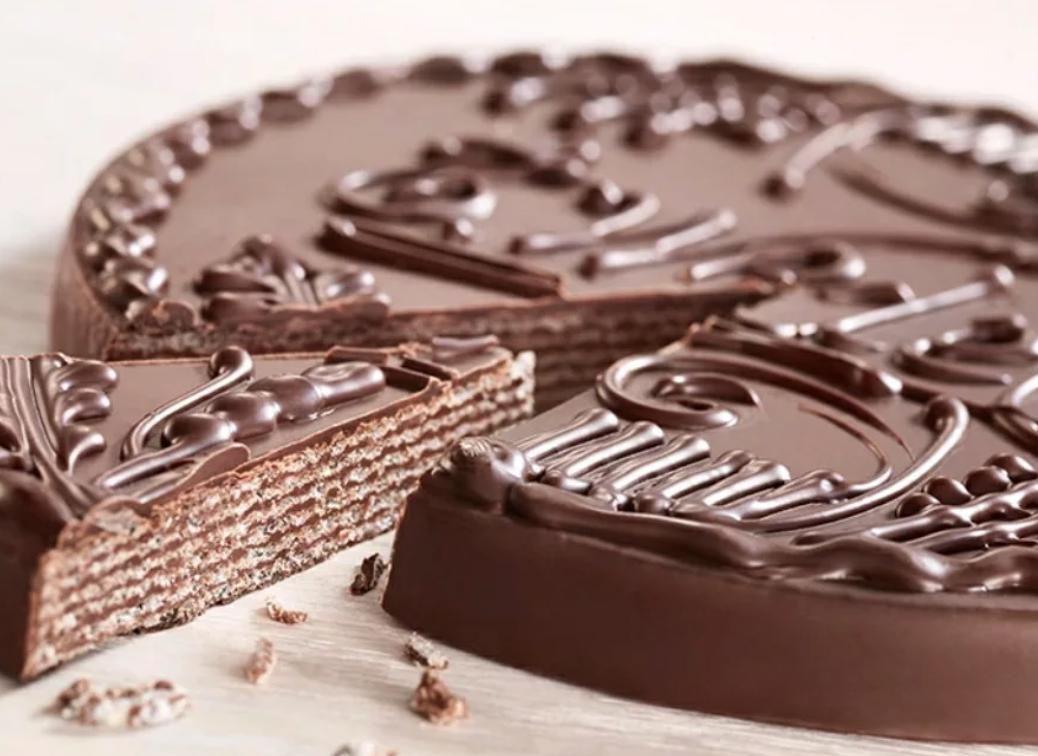 Praline Wafer Cake Wedlowski, 8.82 oz / 250 g