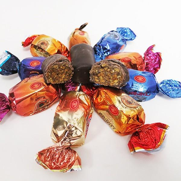 "Mix of Chocolate Covered Candy ""Sunflower Seeds/Semechki"" with Fruits and Honey, 1 lb / 0.45 kg"