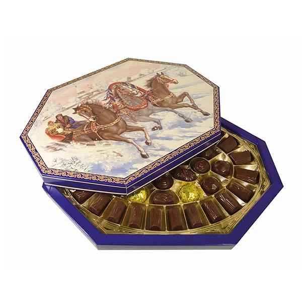 "Assorted Chocolate Candies ""Winter Troyka"", 19.05 oz / 540 g"
